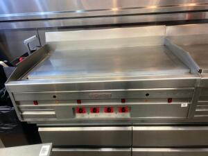 "48"" Flat Grill MagiKitch'n Natural Gas Counter top unit Buyer to uninstall Must be picked up before 1pm"